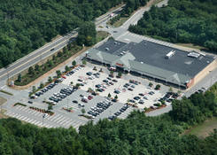 Shaw's Plaza Hanover: 010131 ObliqueAerial