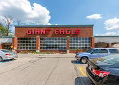 Fairlawn Town Centre: Giant Eagle